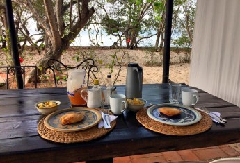 playa-manglares-breakfast-sla-baru-colombia