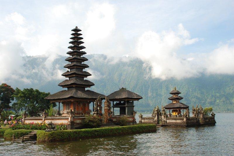 uluwatu-bali-indonesia