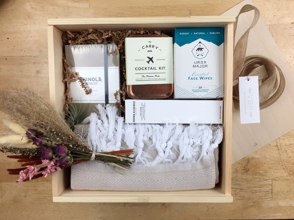 valley brink road travel gift box inside