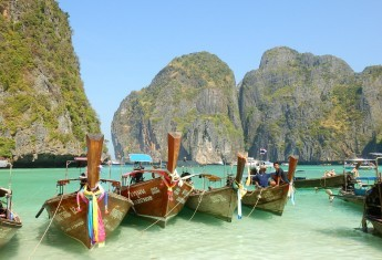 10 Reasons You Must Visit Thailand
