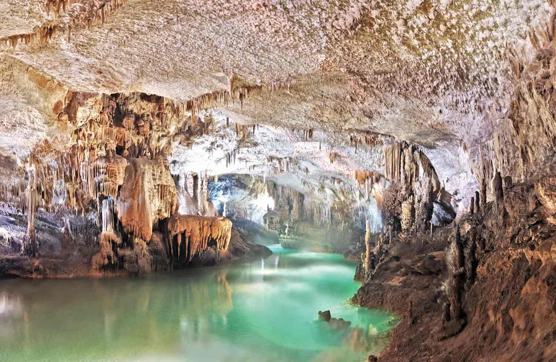 Jeita.Grotto.original.1131