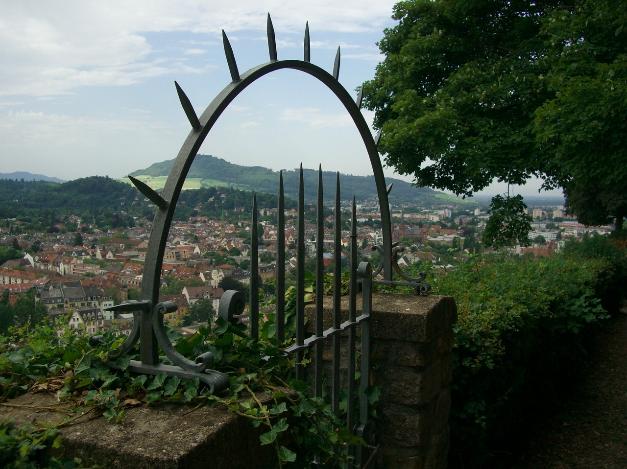 how to travel on a budget in freiburg germany the pin the map project. Black Bedroom Furniture Sets. Home Design Ideas