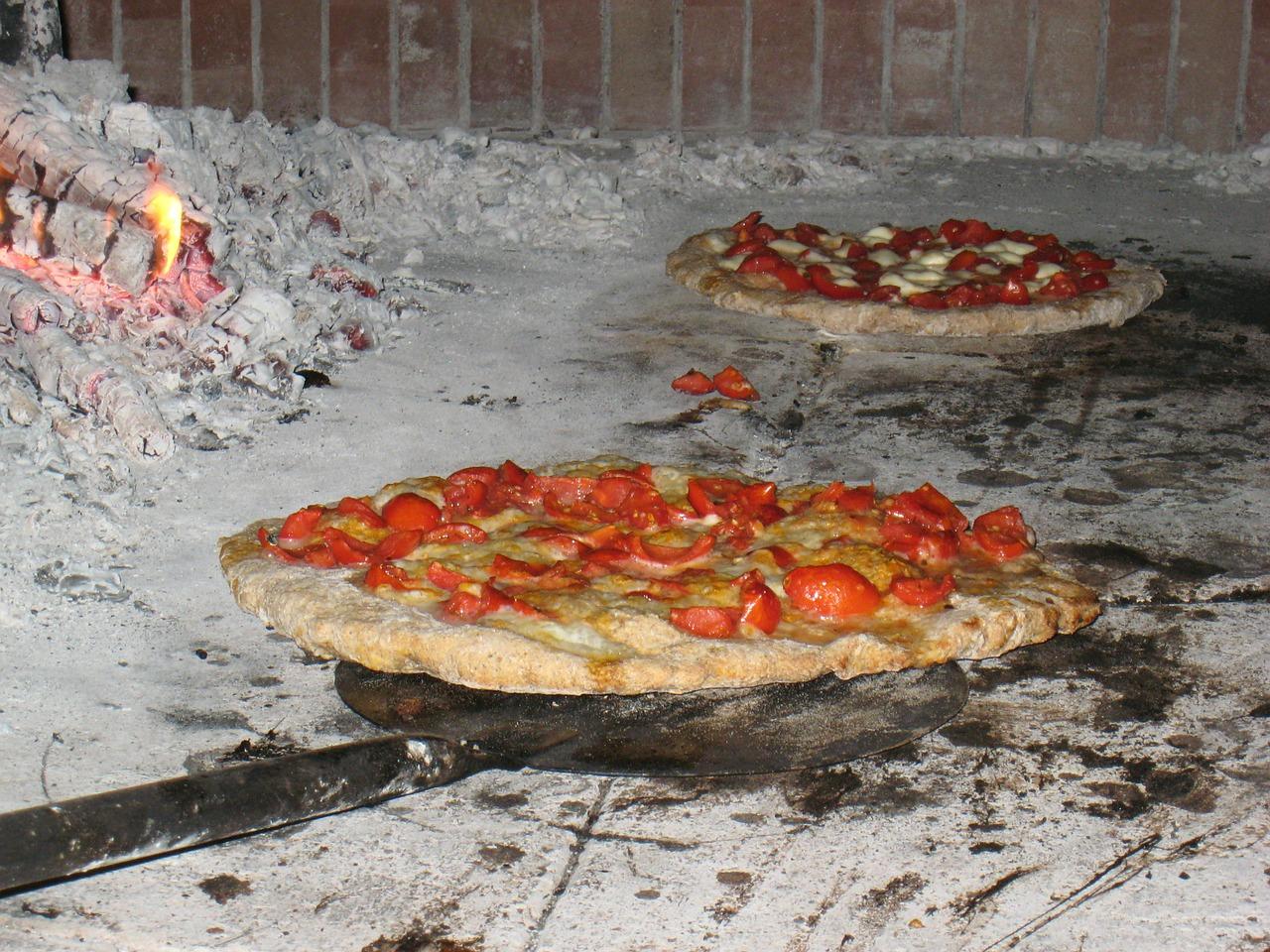 robertas-pizza-bushwick
