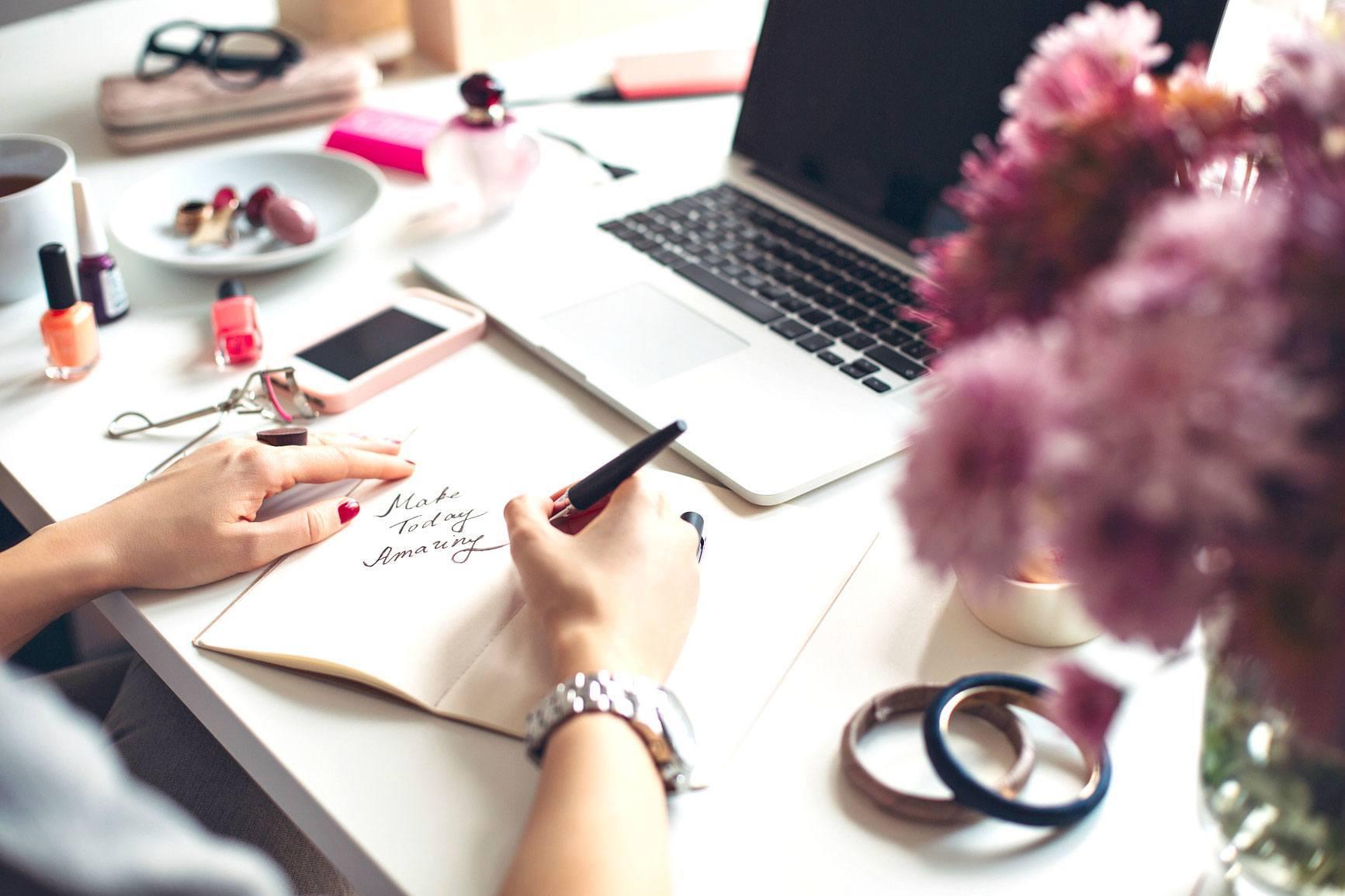 Secret-bloggers-business