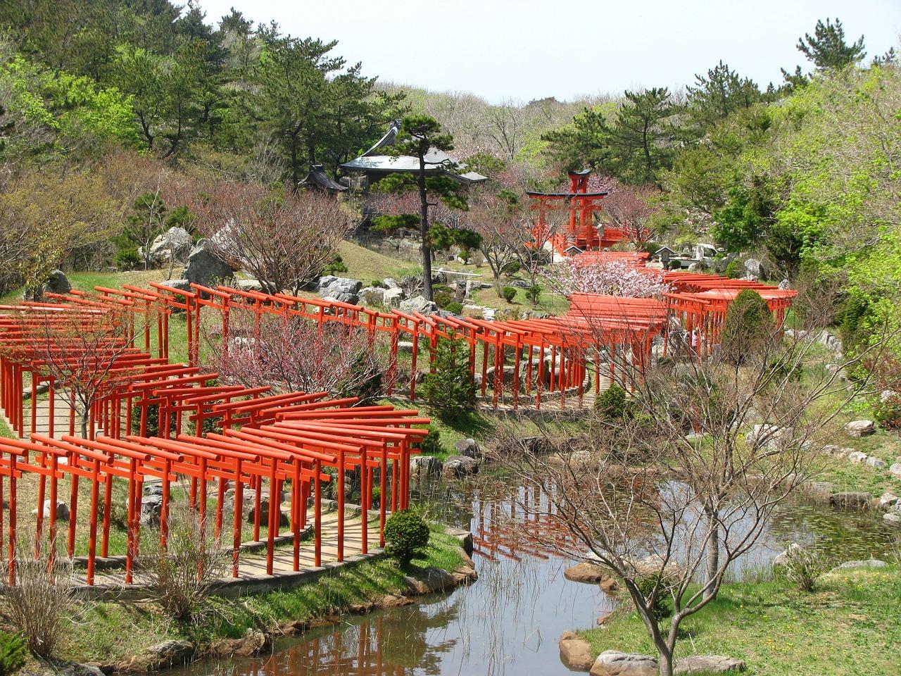 torii-835505_1280