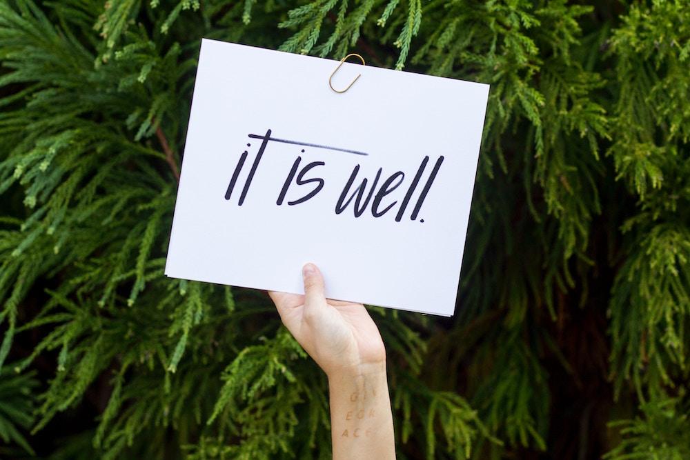 Handwritten Sign © Corinne Kutz/Unsplash
