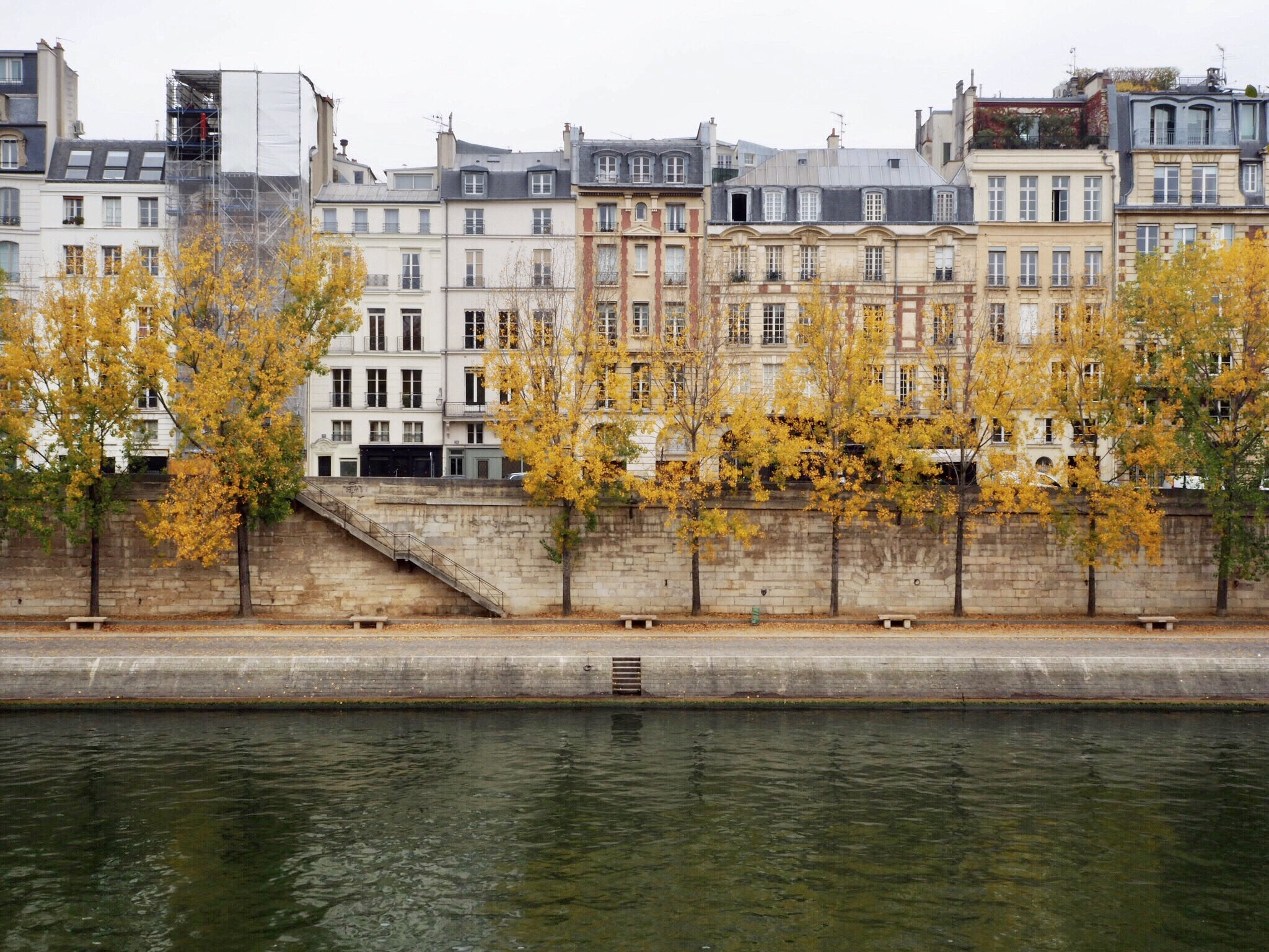 Paris homes by the Seine